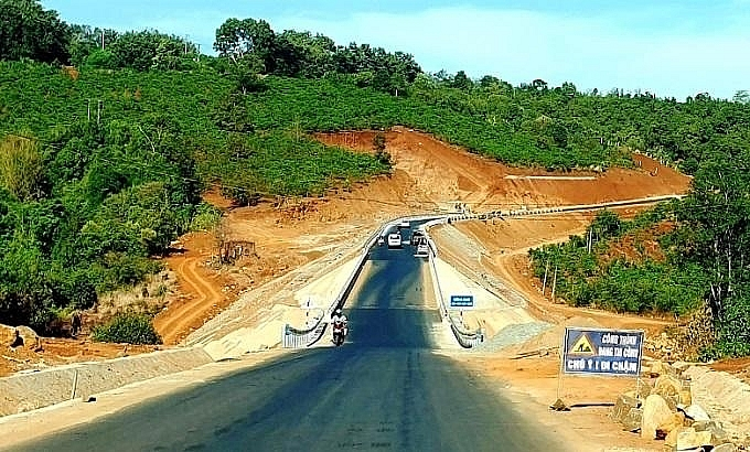 phu yen proposes to develop expressway to central highlands