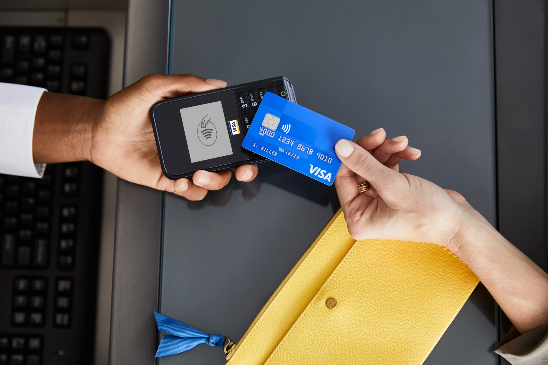 visa contactless payments set record growth as vietnamese embrace cashless payments
