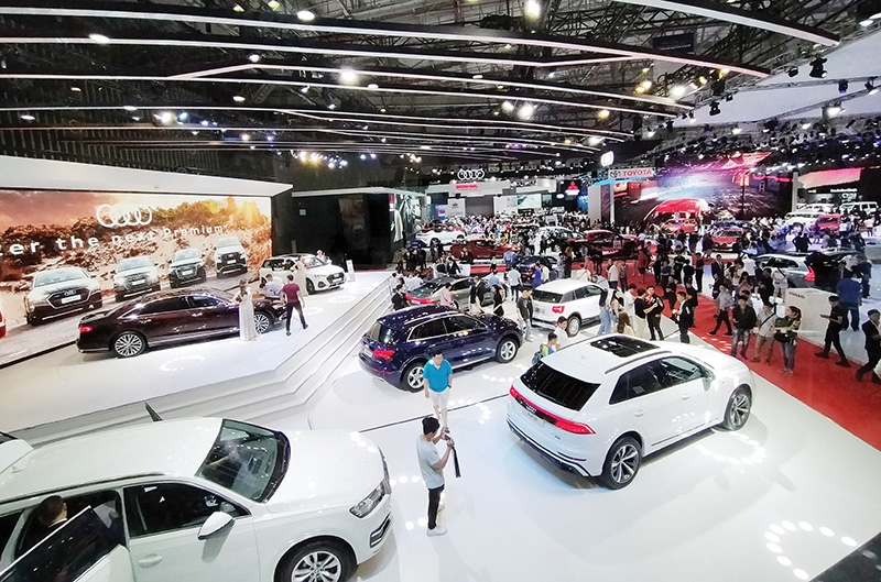 1524 p27 automakers in race for sales to avail of temporary fee cut