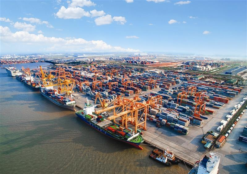 build up terminal 5 and 6 of haiphongs lach huyen port