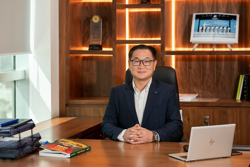 new general director takes the lead of shinhan finance