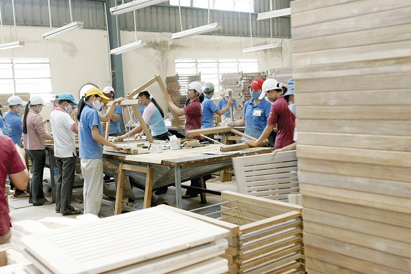 1541 p22 risks at the fore in global wood trade