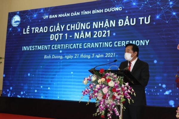 binh duong licenses five foreign invested projects of 1 billion